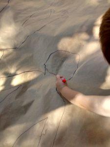 Happy Mama - Dibujando la silhueta